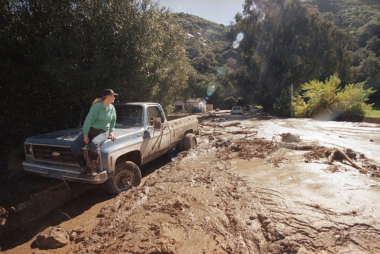A wall of mud on an Orange County Calif. road in 1998, after a record-breaking El Niño caused heavy rainfall and mudslides. Associated Press